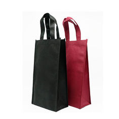 China Recyclable Foldable Non Woven Wine Bags Silk Screen Or Offset Printing supplier